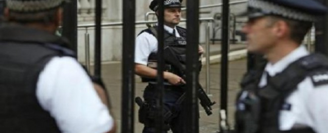بريطانيا تعتقل 3 أشخاص آخرين في إطار حملة على التشدد