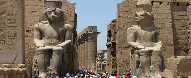 وزير السياحة يطمئن منظمي الرحلات البريطانية على استقرار الوضع الأمني في مصر