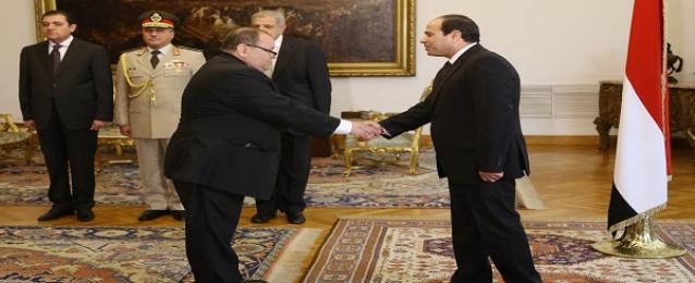 عسران يؤدي اليمين الدستورية أمام الرئيس كنائب لوزير الكهرباء والطاقة المتجددة