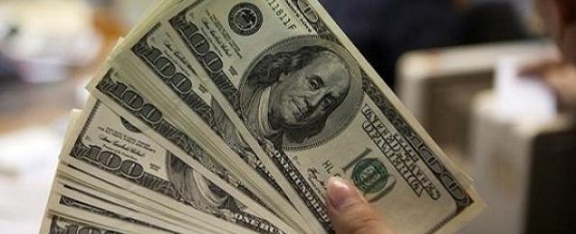 الدولار يتعافى بدعم من صعود عائدات سندات الخزانة