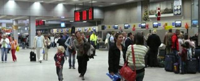مطار الغردقة الدولى يستقبل أكثر من 14 ألف سائح أوروبى على متن 81 رحلة طيران اليوم