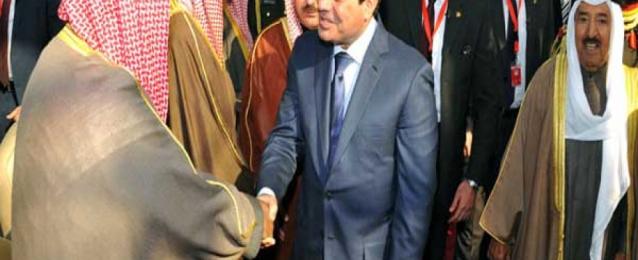 السيسي يعود للقاهرة بعد زيارة للكويت لبحث دعم وتعزيز العلاقات بين البلدين