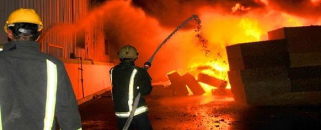 السيطرة على حريق هائل بمصنع نسيج بالغربية دون خسائر بشرية