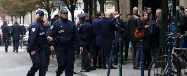 الشرطة: إصابة شخص بجروح خطيرة في حادث احتجاز رهائن في باريس