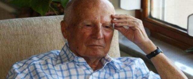 وفاة الرئيس التركي الأسبق كنعان إيفرين الذي قاد انقلاب 1980