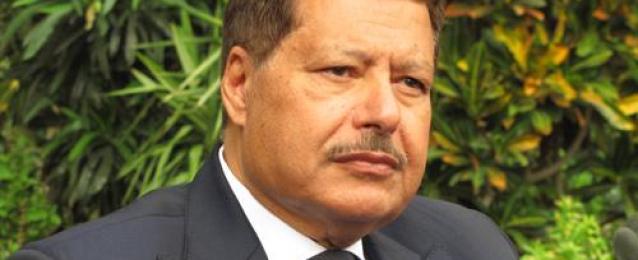 مستشار زويل ينفى شائعة وفاته باتصال على التليفزيون المصرى