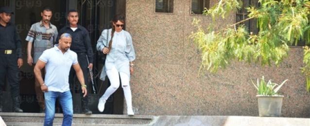 """دفاع """"زينة"""" يقدم مذكرة للمحكمة للرد على قرار النيابة برفض دعوى النسب"""