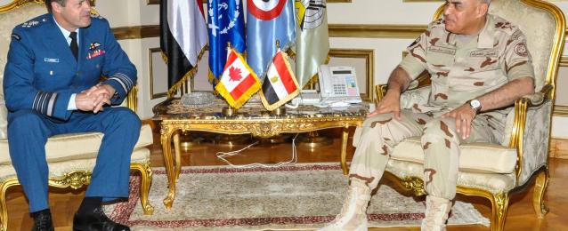 صدقى صبحى يبحث مع رئيس أركان حرب القوات المسلحة الكندية زيادة التعاون العسكرى