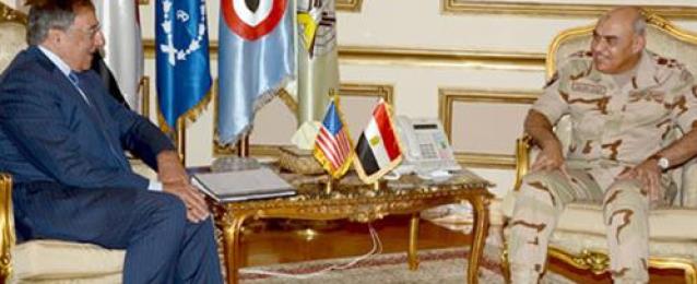 خلال لقائه بصدقي صبحي :وزير الدفاع الأمريكي الأسبق يشيد بجهود مصر في دعم أمن واستقرار الشرق الأوسط