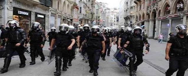 اشتباكات بين الطلبة والشرطة فى جامعة اسطنبول