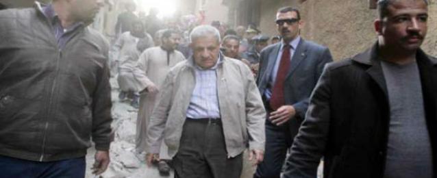 محلب يتابع أعمال إخلاء المناطق الخطرة بمنشأة ناصر