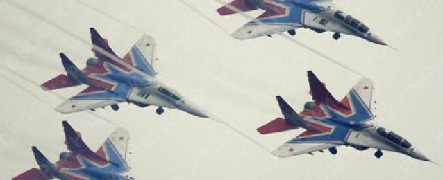 مقاتلات روسية تجبر مدمرة أمريكية على الخروج من البحر الأسود