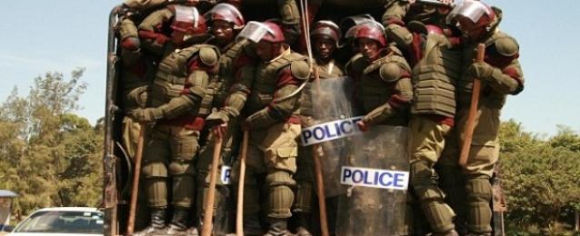 مقتل 20 شرطيًا كينيًا فى كمين .. وترجيحات بمسئولية حركة الشباب الصومالية