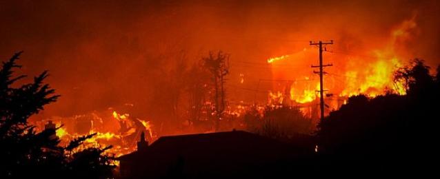 حريق ضخم فى مخزن عمارة الجمرك بالسبتية والدفع ب 12 سيارة إطفاء لإخماده
