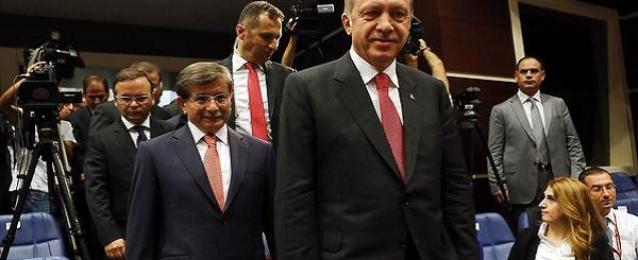 اردوغان يكلف داود اوغلو تشكيل حكومة جديدة في تركيا