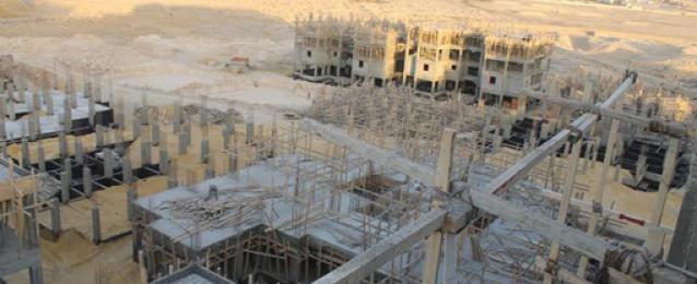 محافظ البحر الأحمر يتفقد مشروع الإسكان الاجتماعى بالغردقة