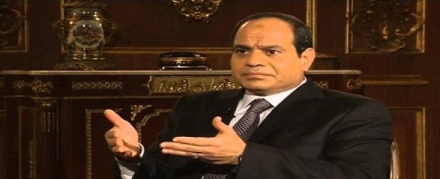 """السيسي منتقدا الحكومة: """"مش عارفين نحفر 4 آلاف بئر لزراعة 4 ملايين فدان"""""""