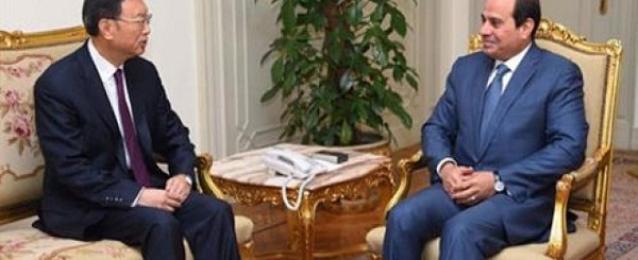 السيسي يستعرض مع رئيس مجلس الدولة الصيني آفاق التعاون الثنائي بين البلدين