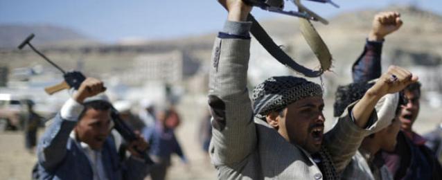 """المقاومة الشعبية اليمنية تسيطر على جبل استراتيجي في """"أبين"""""""