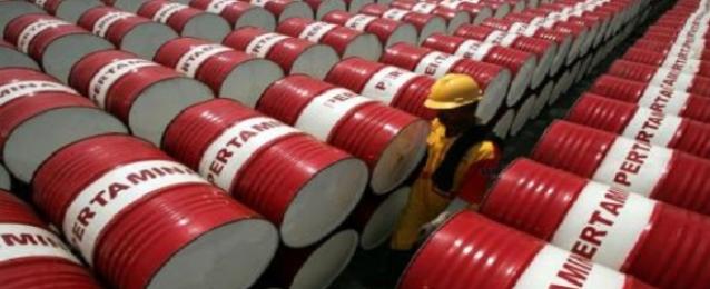 تراجع أسعار النفط بفعل هبوط الدولار