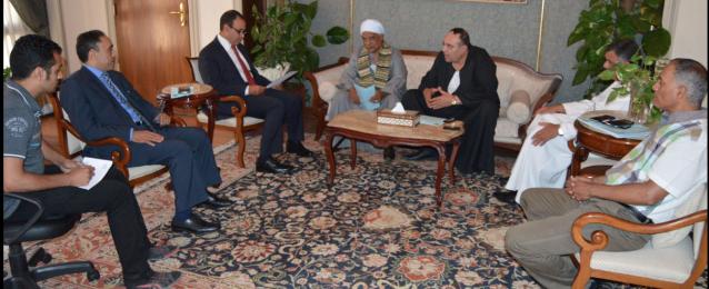 عبد العاطي يبحث مع نقيب الفلاحين سبل دعم وزارة الخارجية لجهود النقابة