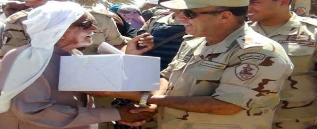 قائد الجيش الثالث الميدانى يلتقى بشيوخ قبائل وعواقل ومواطنى جنوب سيناء