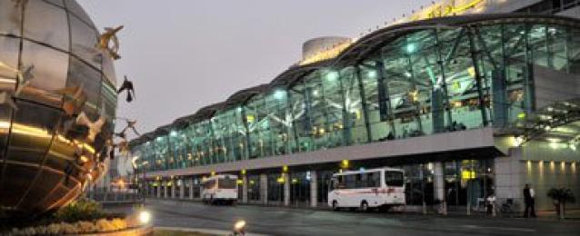 مطار القاهرة يستقبل 7183 سائحا من جنسيات مختلفة خلال 24 ساعة