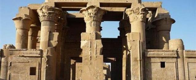 كشف أثري جديد بمعبد كوم امبو بأسوان يعود إلى عصر التحرير