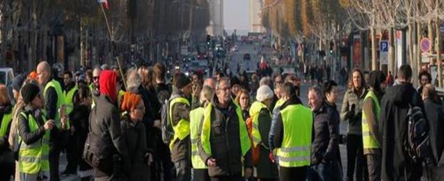 """شرطة باريس تعتقل 24 شخصا خلال مظاهرات """"السترات الصفراء"""""""