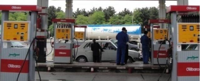 إيران تقنن وترفع أسعار البنزين
