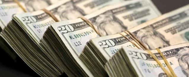 اللبنانيون يسحبون 4 مليارات دولار من البنوك