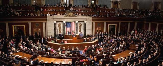 """""""الشيوخ الأمريكي"""" يقر قانوناً يقيد صلاحيات ترامب بشن حرب على إيران"""