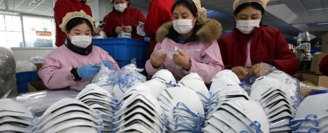 كوريا الشمالية تعزز إنتاج الكمامات للتصدى لفيروس كورونا الجديد