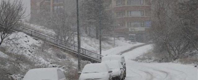 21 قتيلاً جراء انهيار ثلجي في شرق تركيا وفق السلطات المحلية