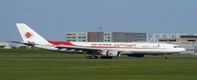 إلغاء 40 % من رحلات الخطوط الجوية الجزائرية بسبب إضراب المضيفين