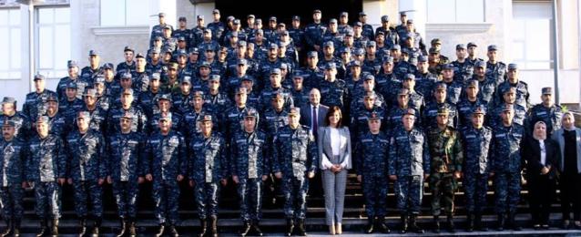 وزيرة الهجرة تستعرض جهود الوزارة فى محاضرة بقيادة القوات البحرية