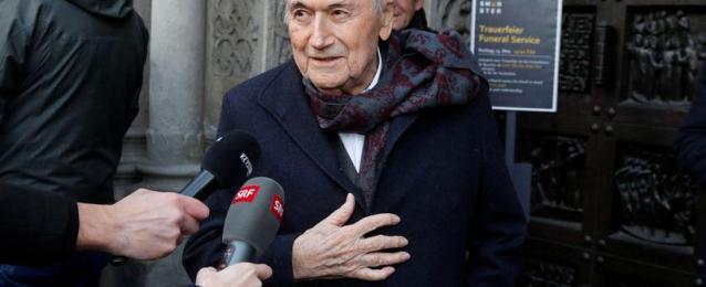 بلاتر يدعو لإيقاف انفانتينو رئيس الفيفا