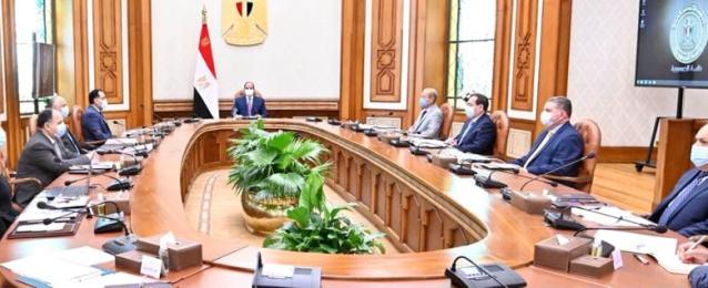 الرئيس عبد الفتاح السيسي يوجه بالإسراع فى تطوير صناعة السيارات العاملة بالطاقة الجديدة