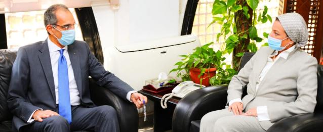 د. ياسمين فؤاد : نتطلع لزيادة عدد مصانع تدوير المخلفات الإلكترونية ومزيد من الإستثمارات من القطاع الخاص فى هذا المجال