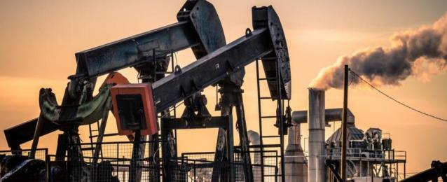 استقرار اسعار النفط مع تفاؤل استئناف النشاط الاقتصادي في امريكا وأوروبا
