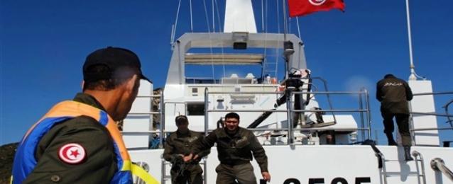 حرس الحدود البحري التونسي ينقذ 103 مهاجرين من الغرق