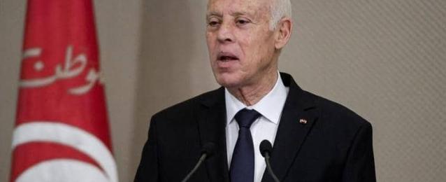"""الرئيس التونسي: تجميع المواطنين لتلقي لقاح كورونا في عيد الأضحى """"جريمة وراءها غايات سياسية"""""""