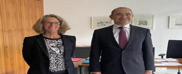 سفير مصر في برلين يبحث سُبل التصنيع المُشترك للقاحات كورونا ويشكر ألمانيا على إهداء ٢ مليون و٣٥٠ ألف جرعة من لقاح أسترازينيكا