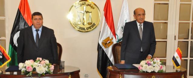 """مذكرة تفاهم بين مجلس الدولة المصري و""""الأعلى للقضاء"""" الليبي"""