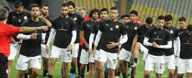 مصر تسعى للحفاظ على الصدارة في تصفيات المونديال أمام ليبيا في بنغازي