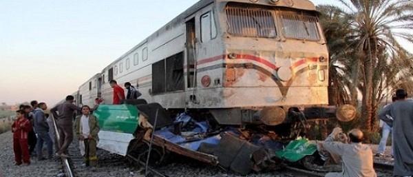 الصحة: وفاة 7 وإصابة 24 آخرين في حادث تصادم قطار بأتوبيس رحلات بالشروق