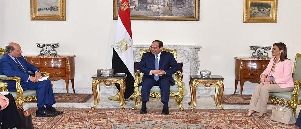 الرئيس يعرب عن تقدير مصر لمساهمة البنك الأوروبي في تمويل العديد من المشروعات التنموية