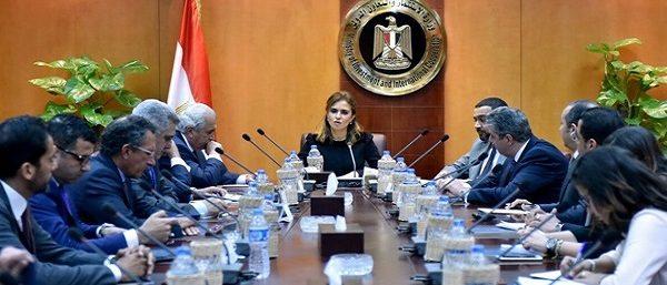 نصر تبحث زيادة الاستثمارات الأمريكية بمصر